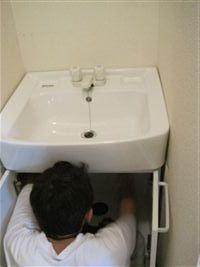 洗面台 設置中